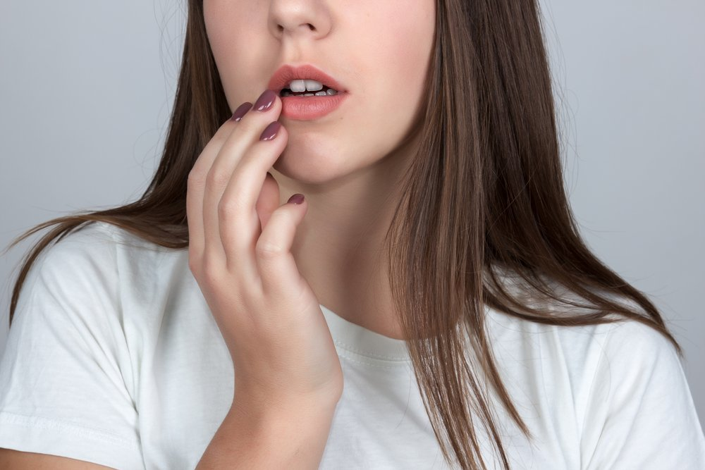 Проявления герпеса на губах