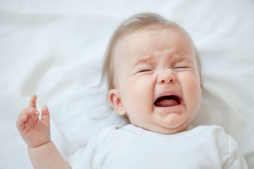 1. Беспокойство ребенка после кормления и «плохой» сон