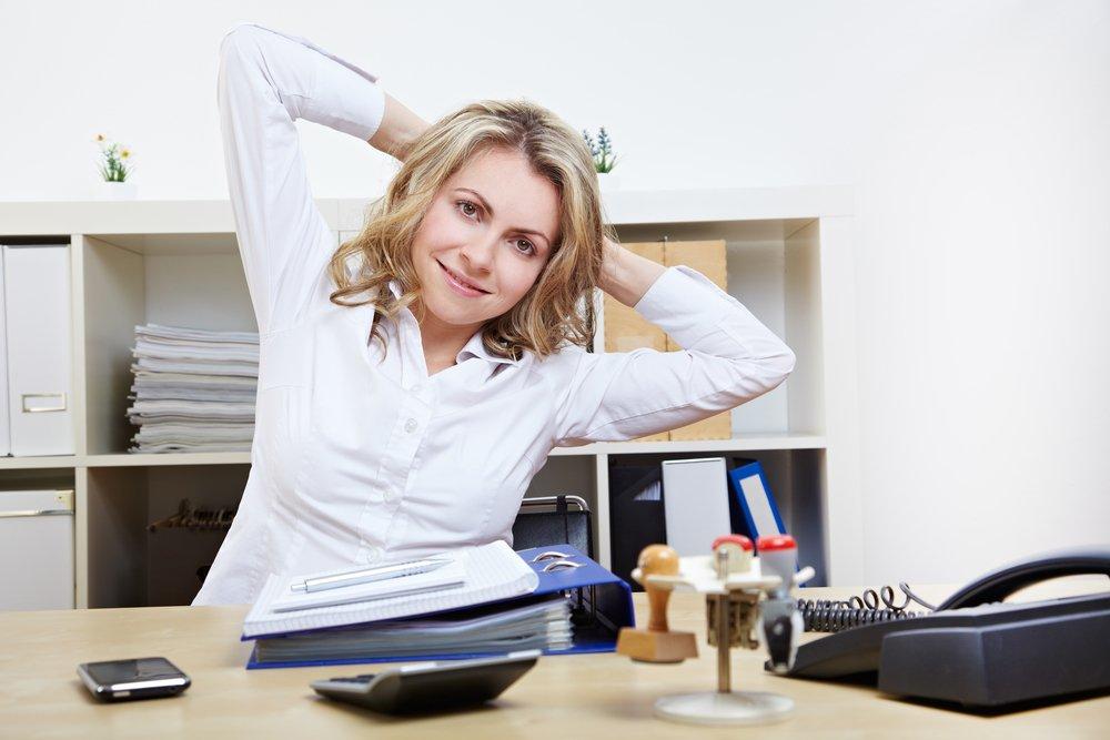 Упражнения при сидячей работе: зарядка в офисе