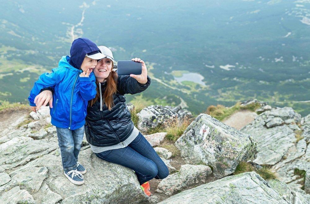 Кому нужны горы, родителям или ребенку?