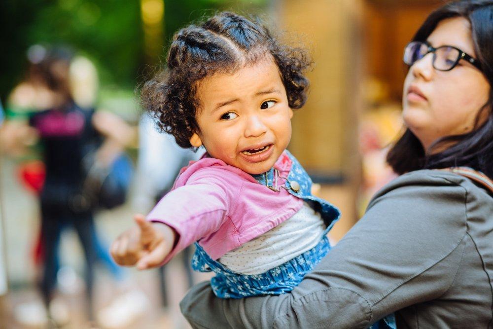 Как спокойно реагировать на детские капризы?