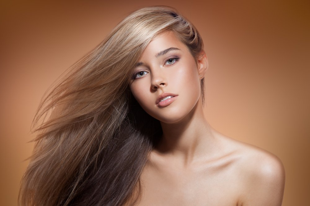Бежевый нюд: под светлые волосы и оливковый оттенок кожи