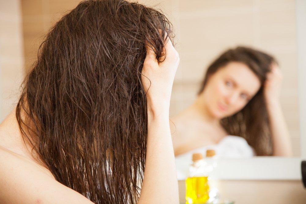 Как использовать ореховые масла в уходе за волосами