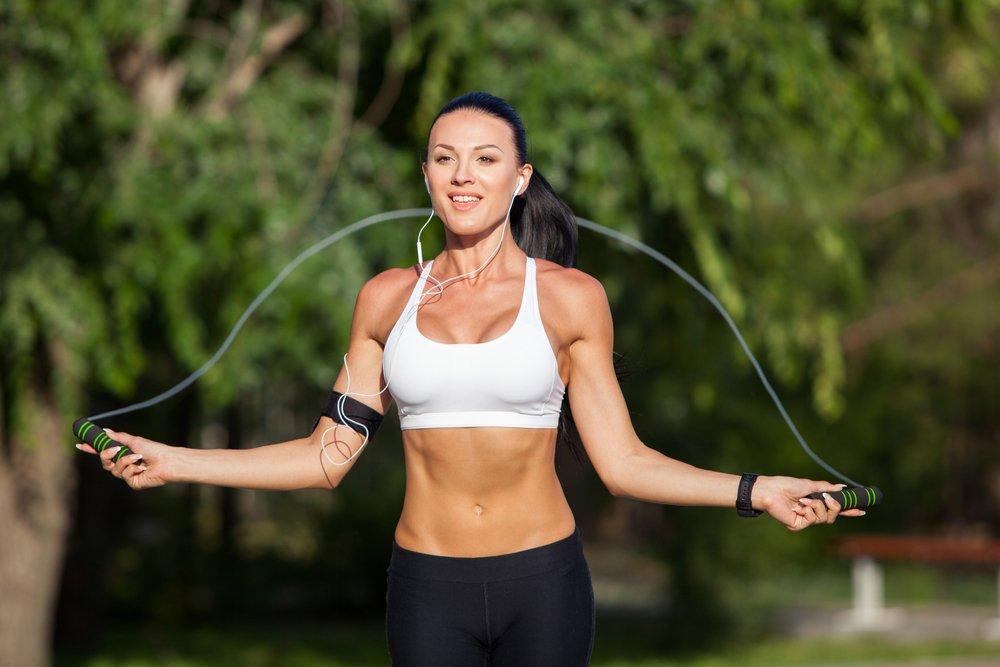 Польза и эффективность фитнес-тренировок со скакалкой