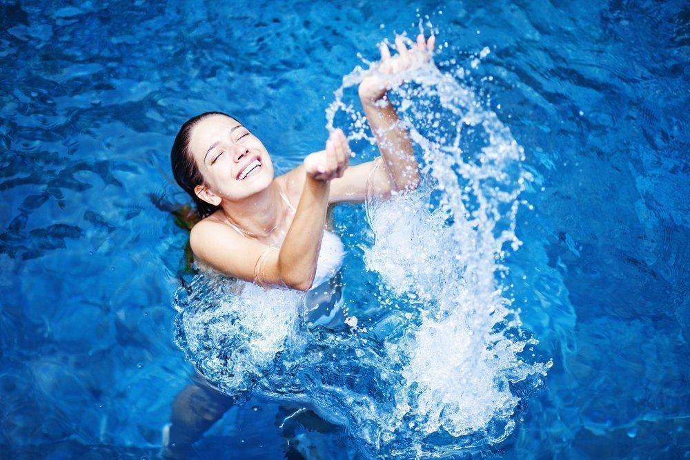 Фитнес в бассейне: эффективные упражнения для похудения
