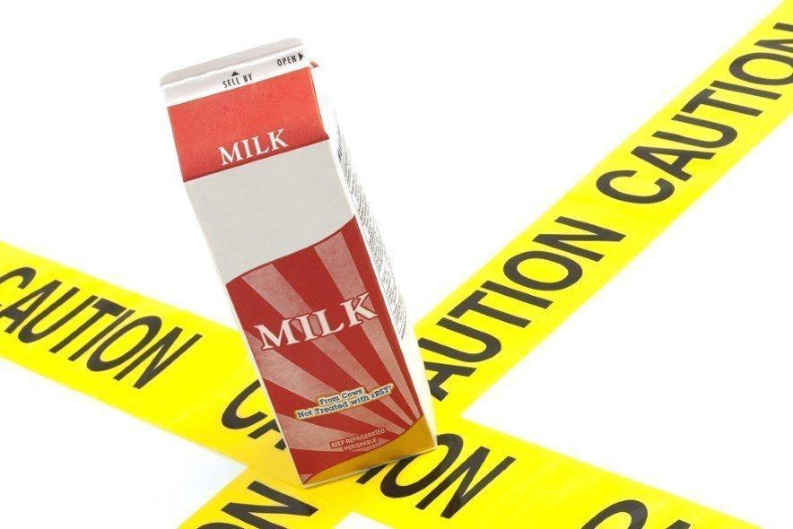 молоко опасно