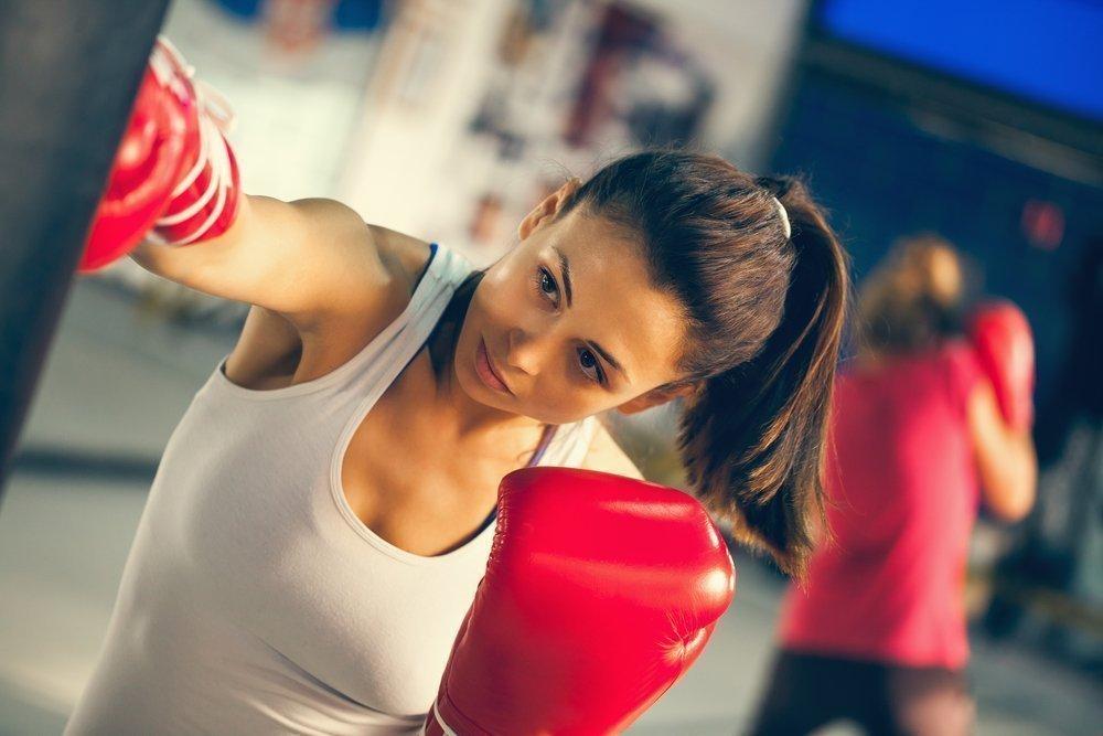 17.00-19.00 — силовые тренировки, тяжелая атлетика, бокс