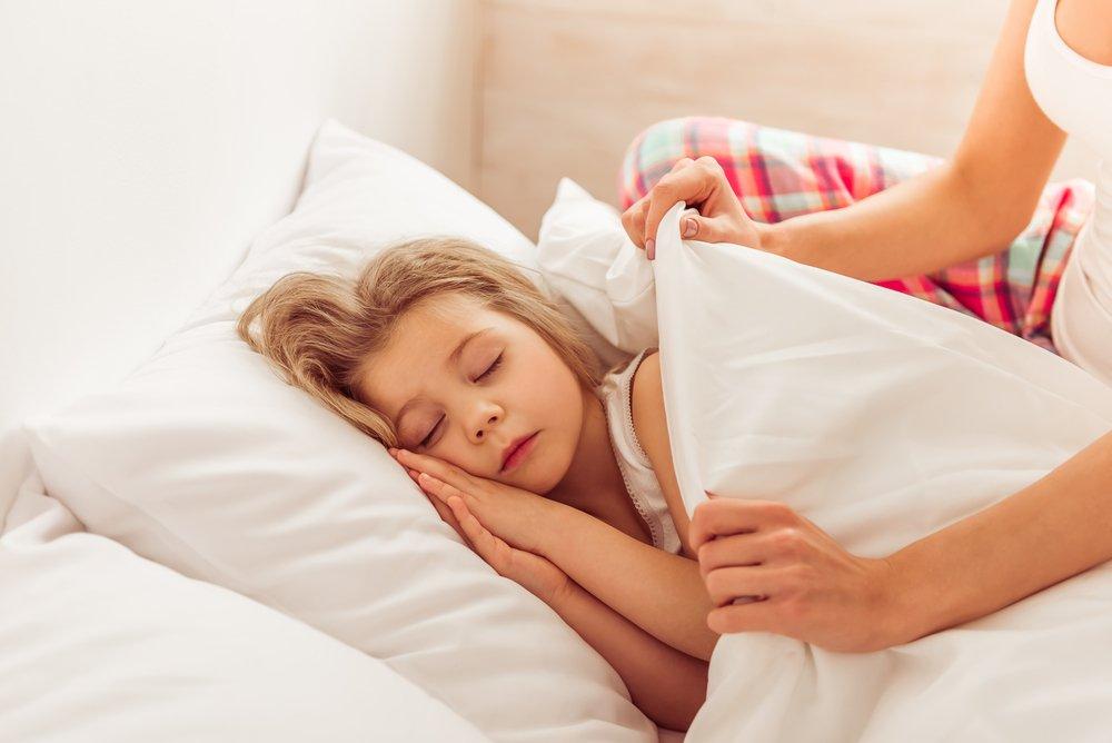 Сон под утяжеленным одеялом и здоровье: в чем связь?