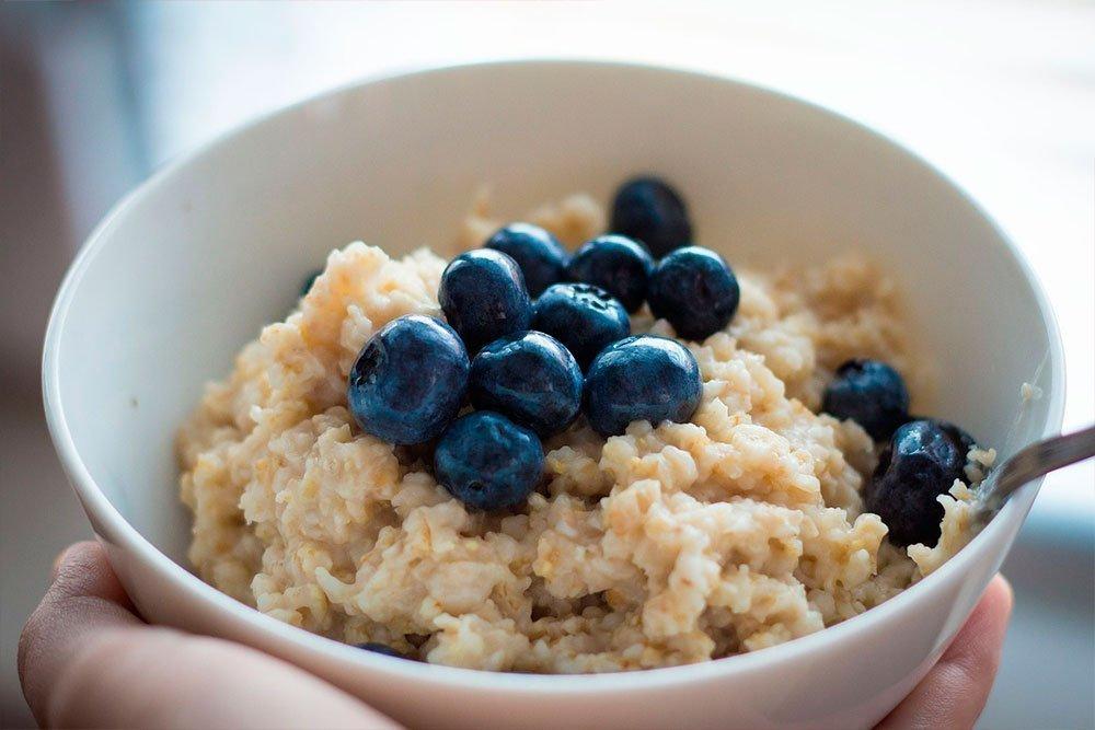 Энергетический завтрак: овсянка с арахисовым маслом