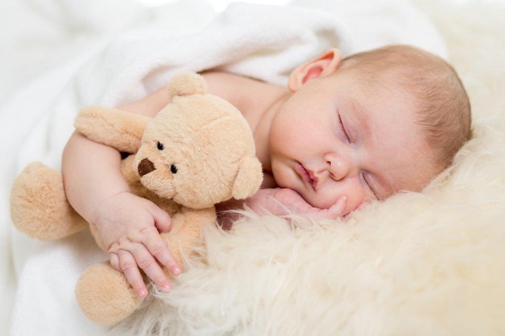 Можно ли малышам спать без одежды?