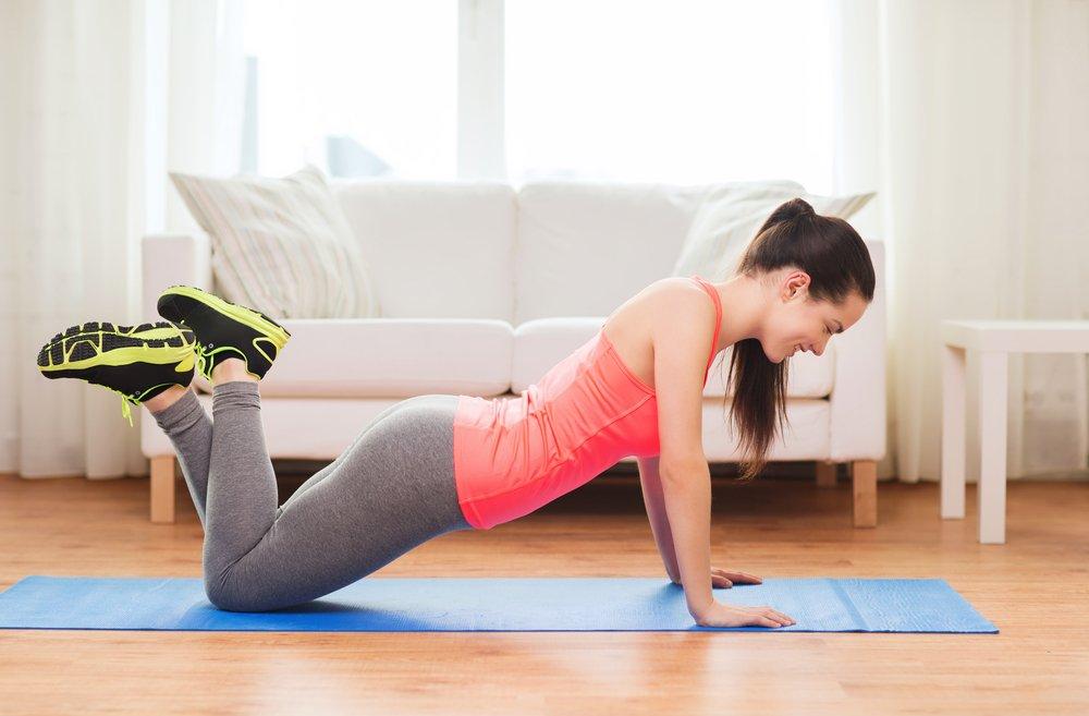 Упражнение 2: Отжимания с колен