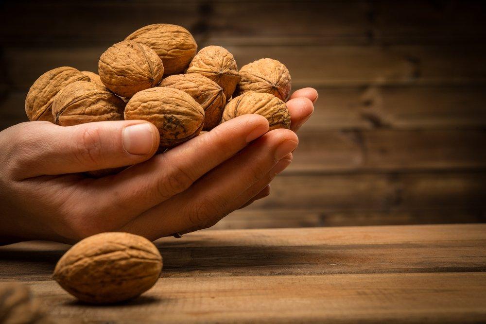 Здоровое питание с орехами