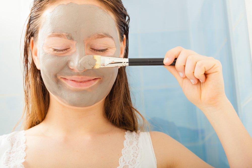 Как правильно осуществлять уход за кожей лица с помощью масок из глины?