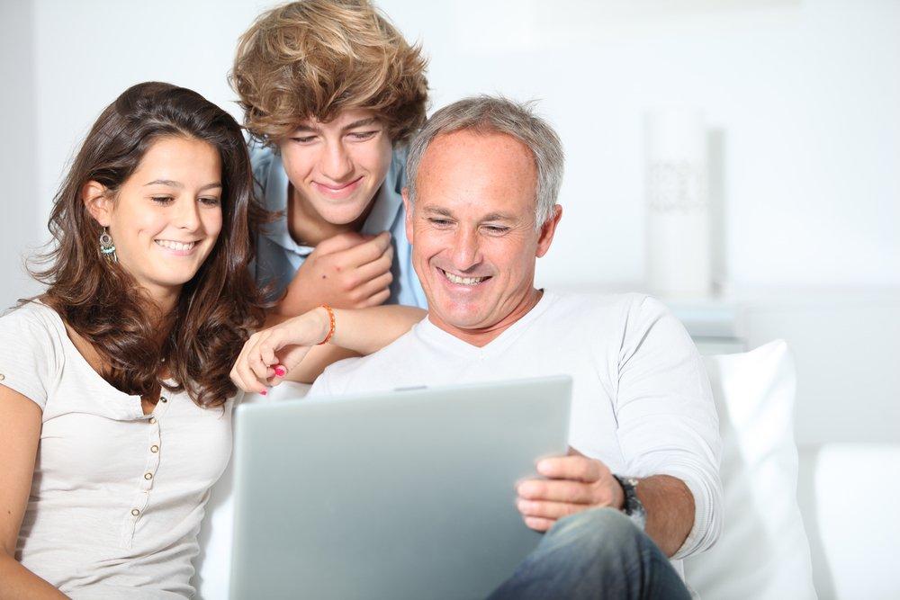 Как научить ребенка безопасности в сети?