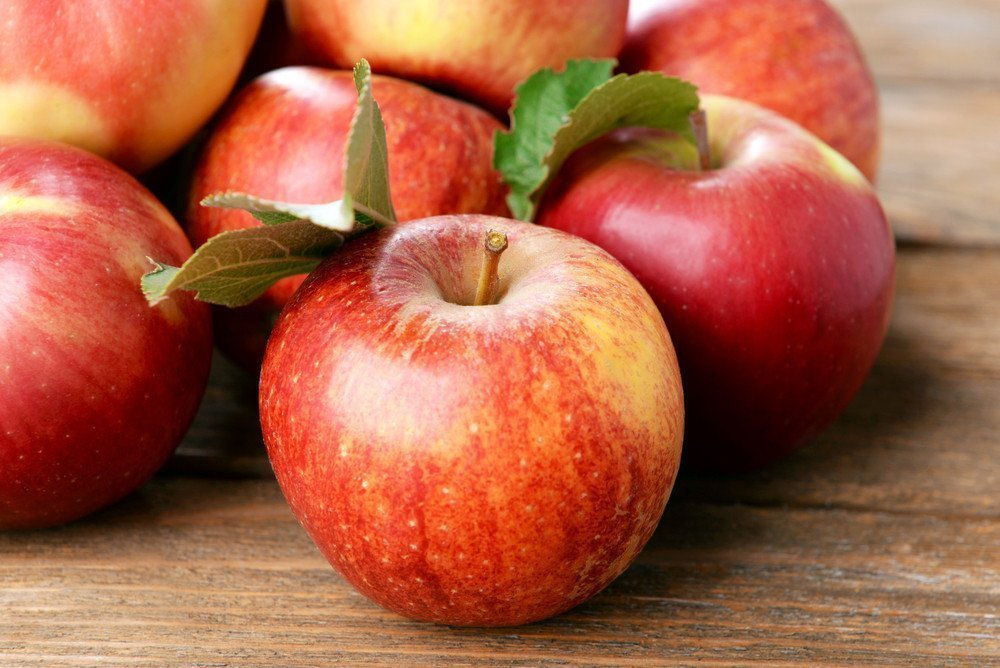 Десерты из яблок в питании детей: что готовить?