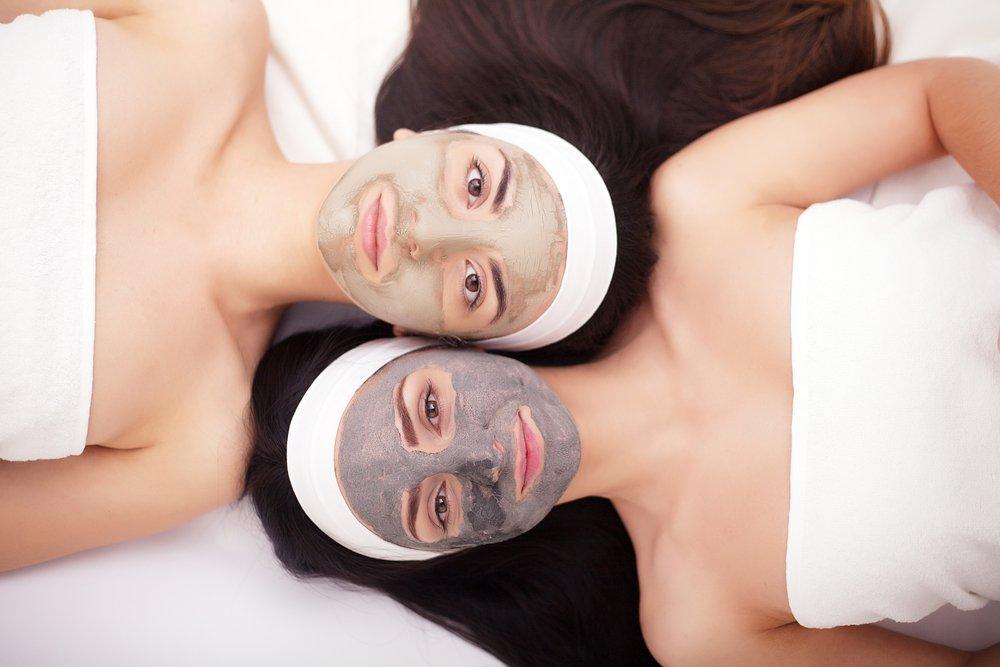 Что представляют собой маски для лица на основе косметической глины?