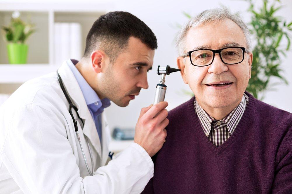 Отит и другие причины заложенности уха, требующие медицинской помощи