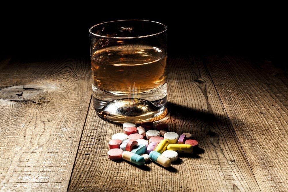 Лекарства и алкогольные напитки — опасный дуэт