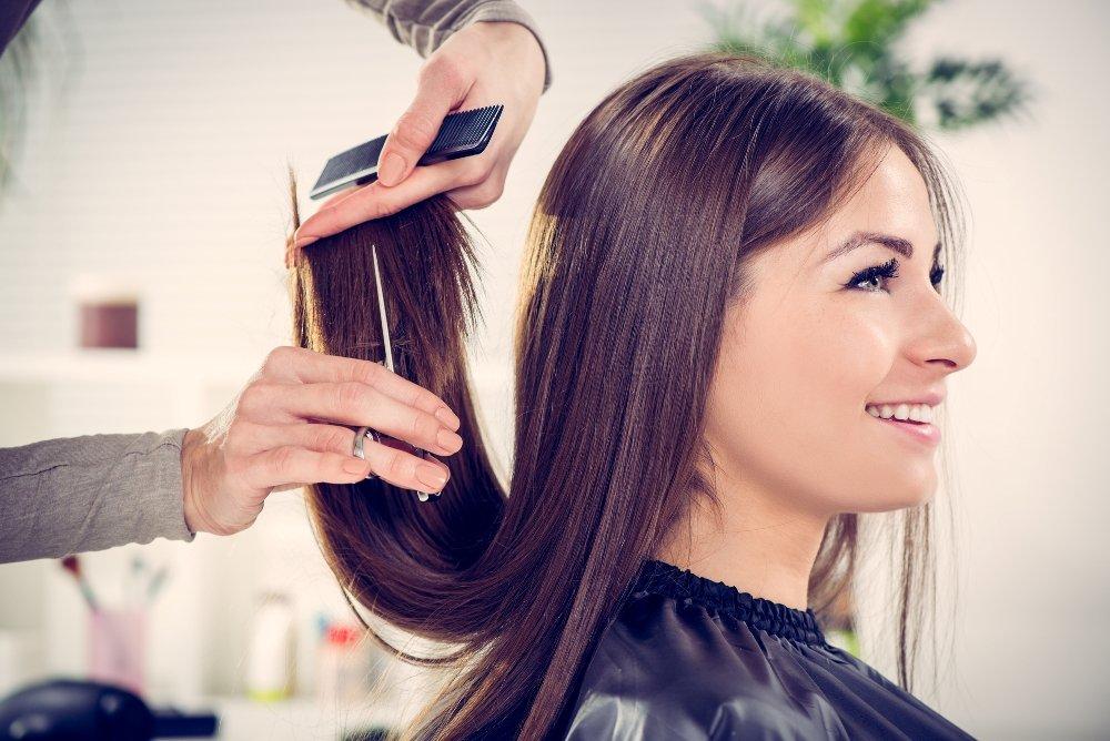 Красота длинных волос: процедура расчесывания