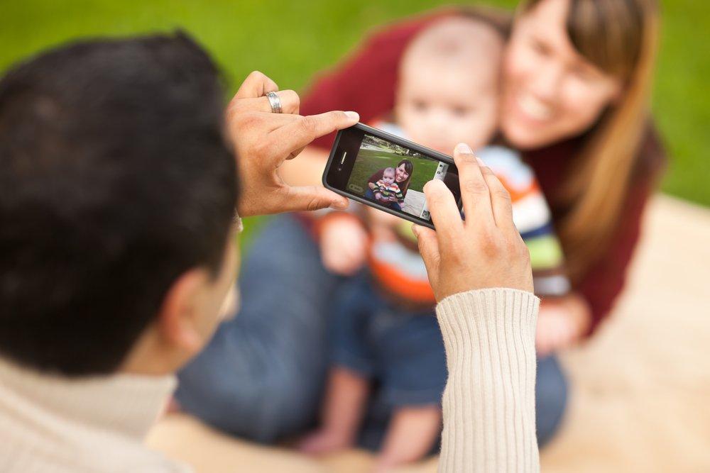 Мобильный телефон (смартфон) или планшет