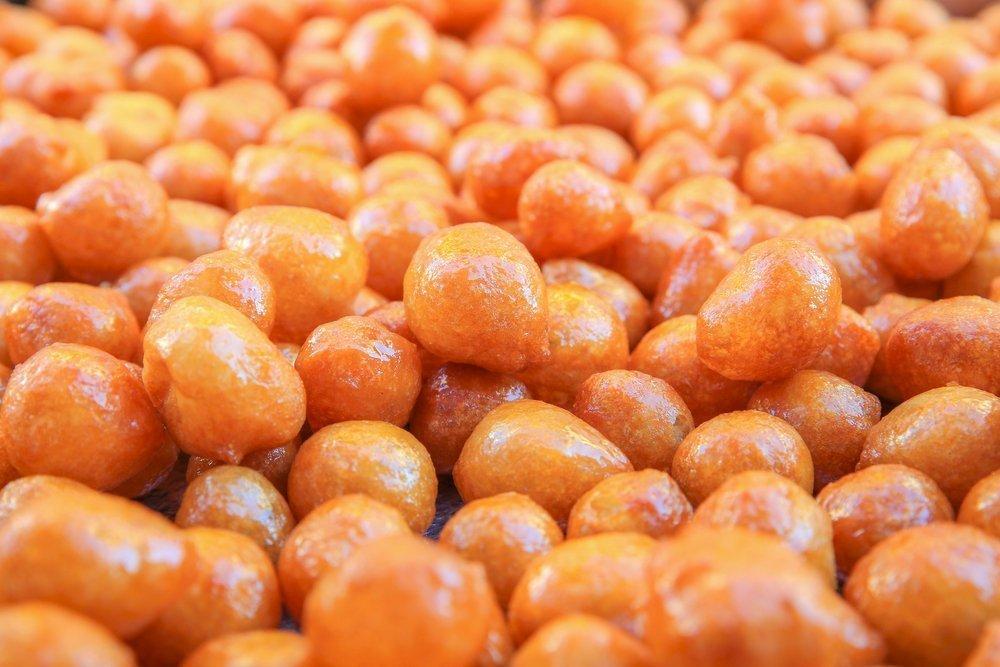 Локма с сиропом из фруктов