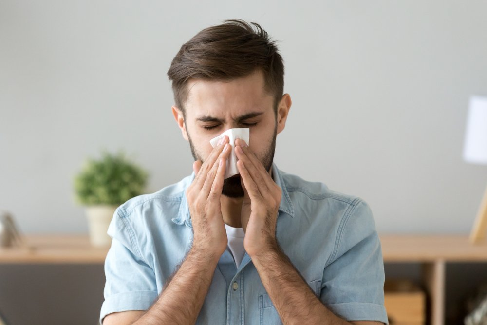 Заложенность носа (ринит) и осмотр пациента