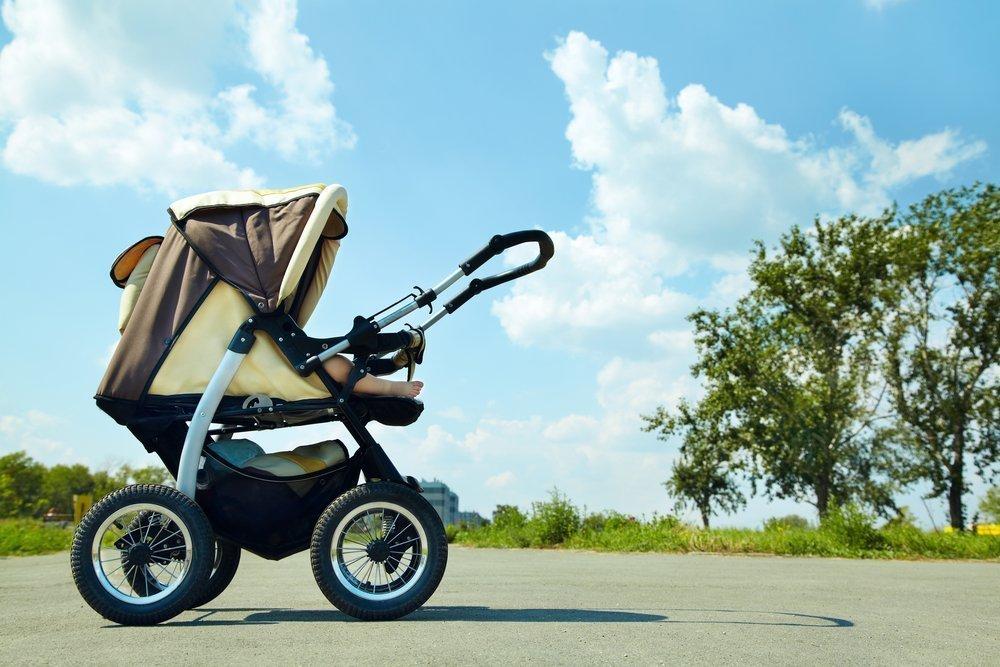 Мать-парашютист: ребенок от месяца до трех