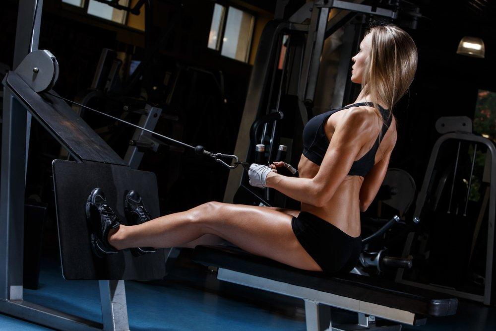 Комплекс упражнений с гантелями для мышц спины