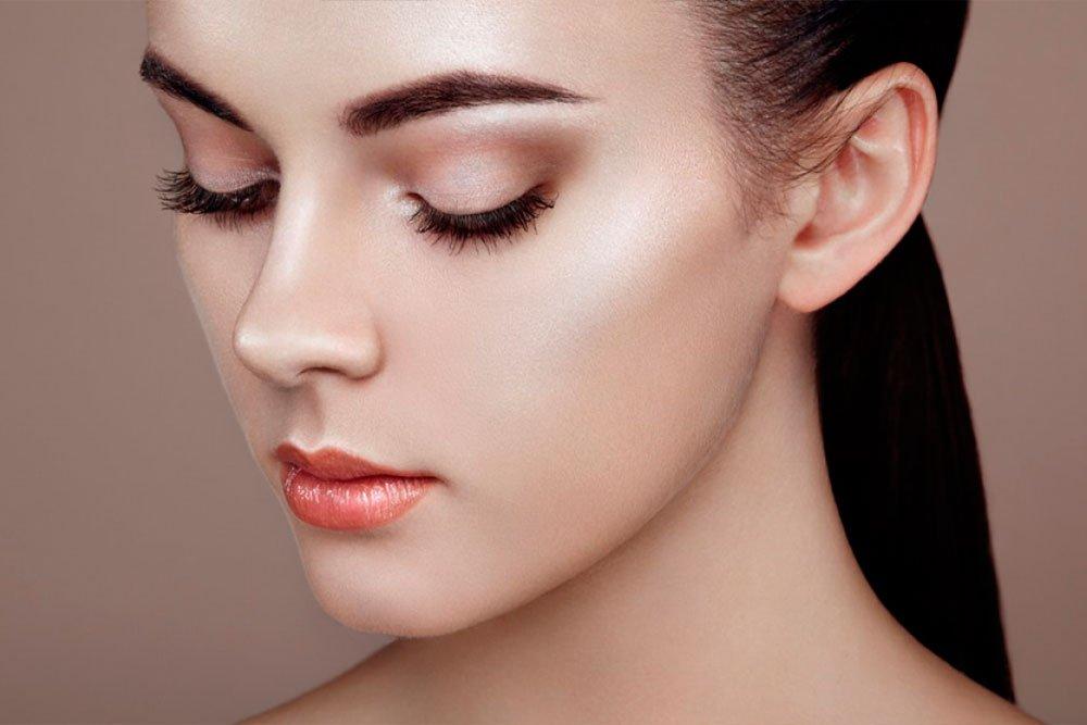 Подготавливаем лицо к макияжу