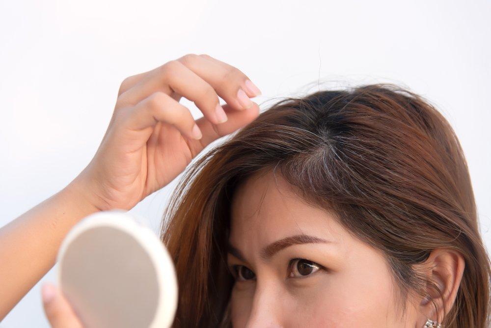 Факт 6: Стресс заставляет волосы седеть быстрее