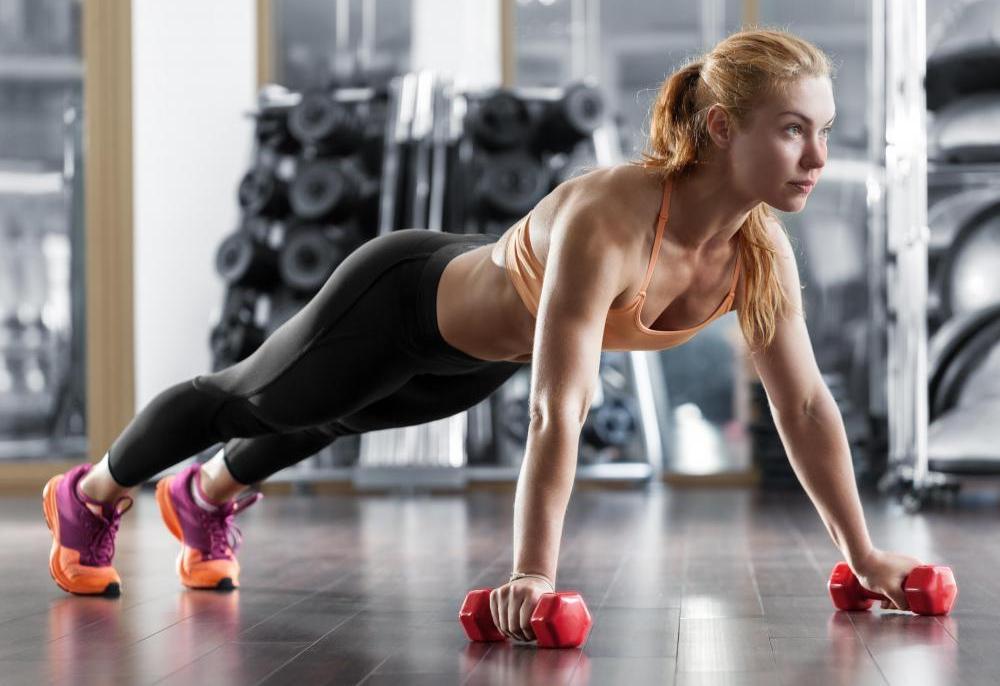 Фитнес-упражнения для бедер и ягодиц