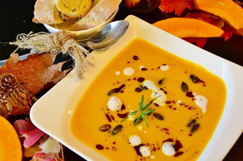 Простой рецепт тыквенного супа с плавленым сыром