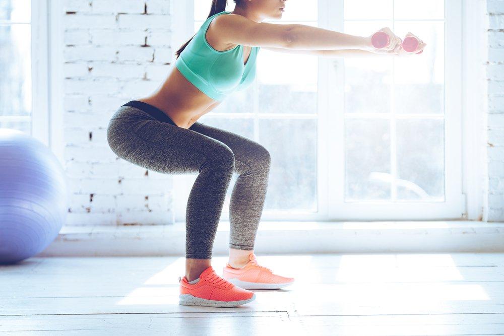Фитнес-тренировка для мышц бедер и ягодиц