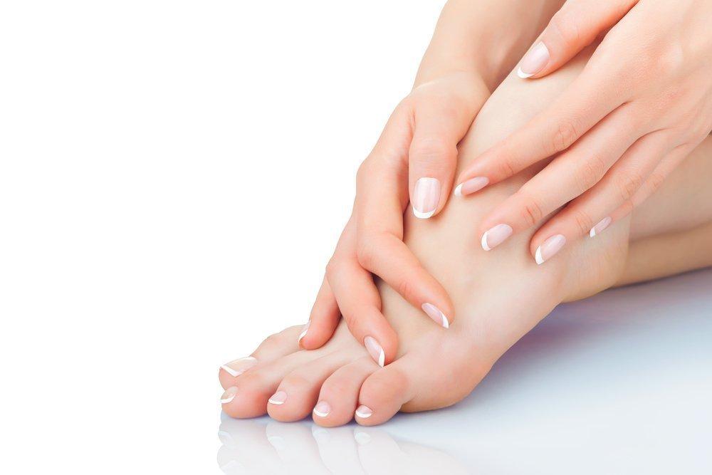Сухая кожа, трещины на пятках слабые ногти на ногах: причины