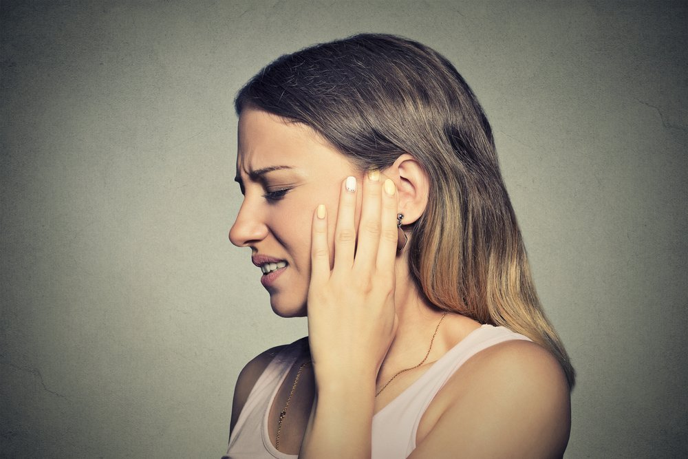 Заложенность уха: причины