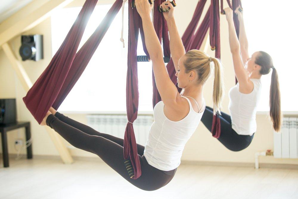 Фитнес-тренировки на основе аэройоги