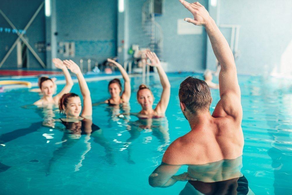 Базовый комплекс упражнений аквааэробики для начинающих