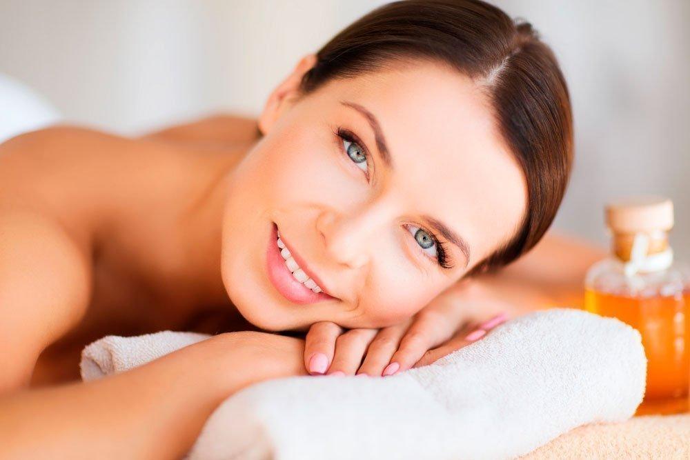 Красота и здоровье кожи: польза миндального масла