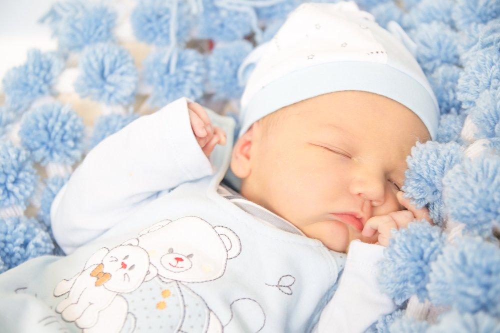Способы приучения к сну в своей кроватке