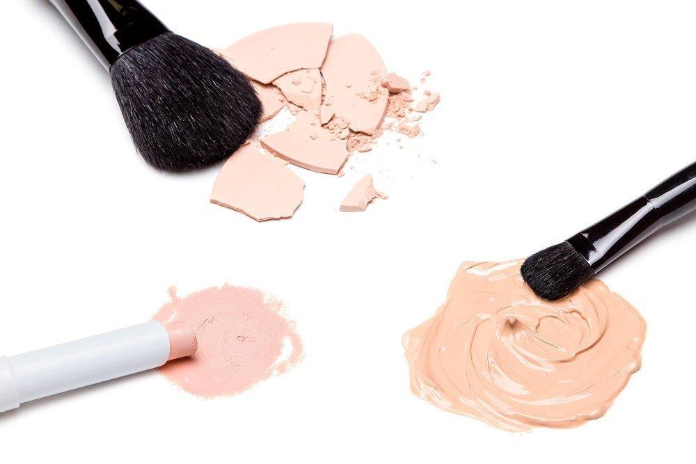Главные правила выбора основы под макияж
