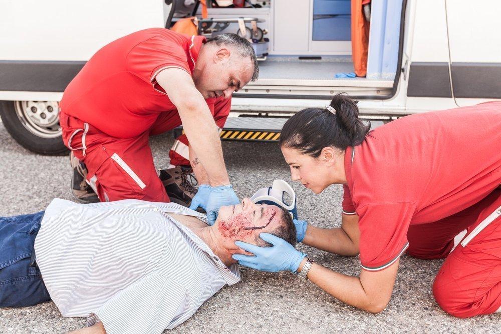 Как оказать первую помощь при ранах