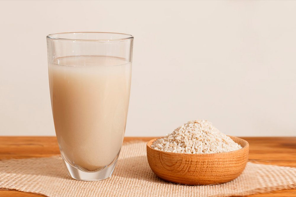Секрет 4: Тонизирование кожи рисовой водой