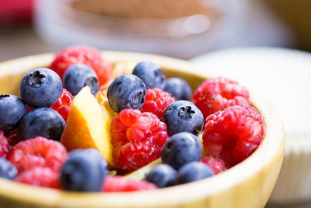 Малина: полезное питание с ягодой