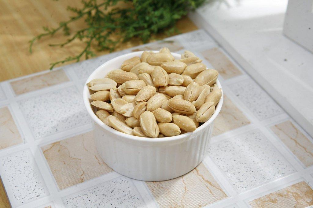 Питание орехами: риск пищевой аллергии
