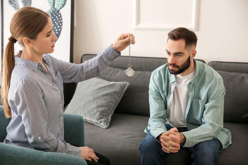 Последствия гипноза: прокукарекайте в окошко!