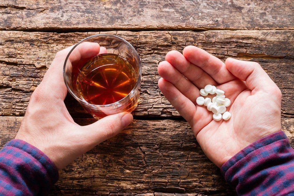 5 правил совместного приема алкоголя и лекарств