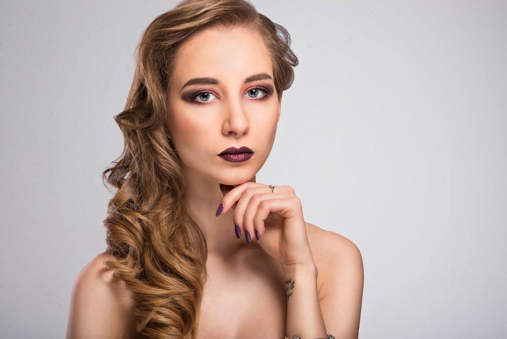 Сливовый: для блондинок холодного цветотипа