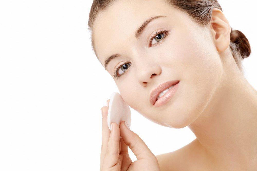 Питание и увлажнение как основные принципы ухода за кожей после тридцати