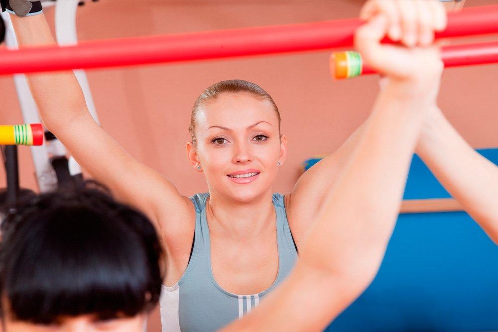 Занятия фитнесом с гимнастической палкой: основные правила