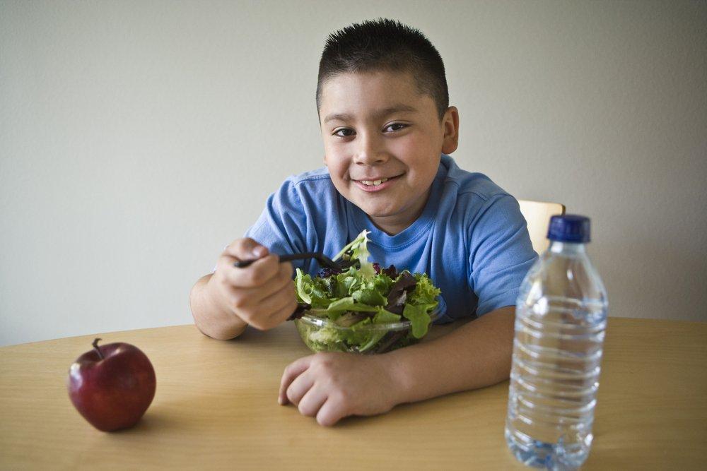 Борьба с лишним весом у детей: физические упражнения и правильное питание
